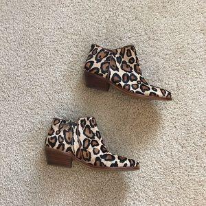 Sam Edelman petty leopard print boots, size 6